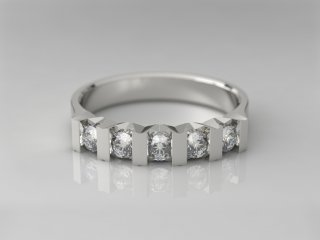 Anillo en Plata 925 con 5 Diamantes (total 0.3q.)